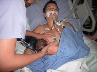 NICU Mom bfing